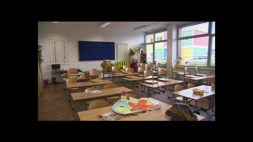 Video Milan Brunclík o nedostatku tříd v okolí Prahy