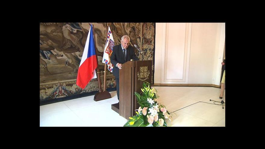 Video Vyhlášení předčasných voleb tématem Událostí