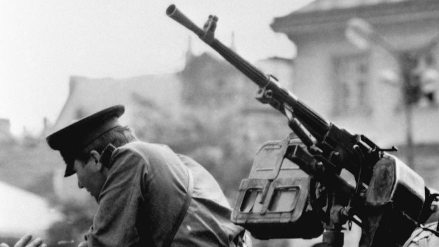 Video Před 49 lety vpadla do Československa vojska Varšavské smlouvy