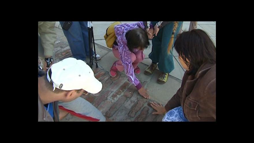 Video NO COMMENT: Návštěva nevidomých poutníků na Velehradě