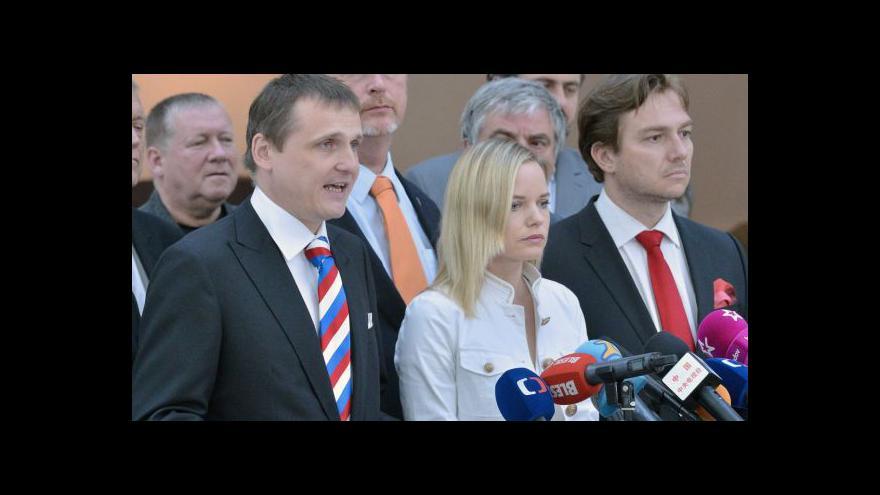 Video Brífink Věcí veřejných k hlasování o rozpuštění sněmovny