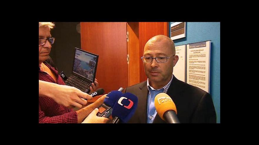 Video S čím přišel Martin Barták k soudu