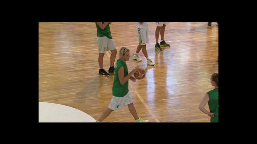 Video Basketbalistka Horáková se loučila s kariérou v brněnské hale Rosnička