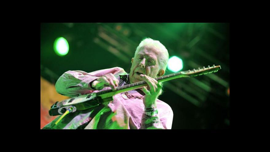 Video John Mayall vystoupil v Trutnově