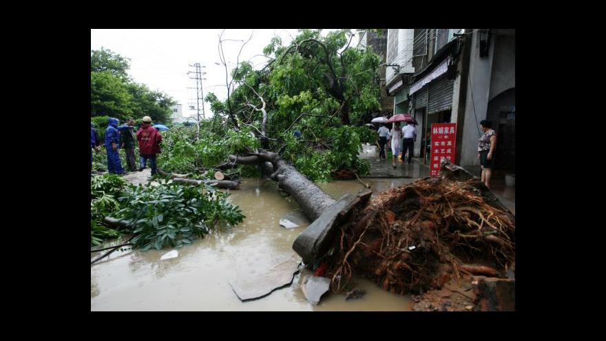 Video Čína se potýká s tajfunem Utor