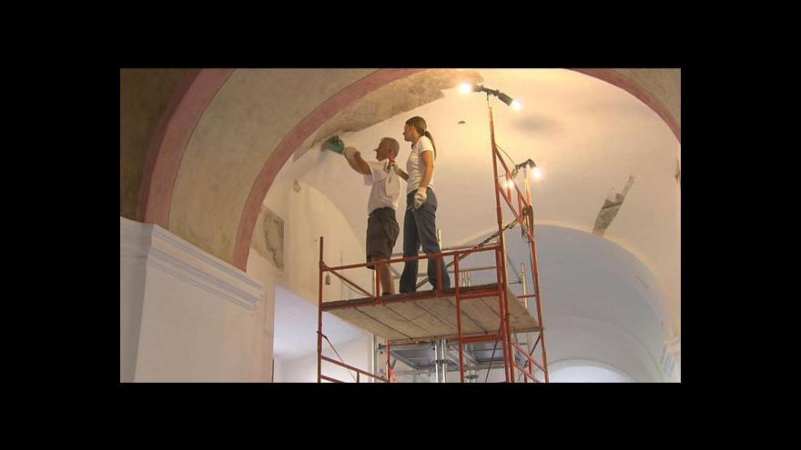 Video Sázavský klášter odkrývá fresky