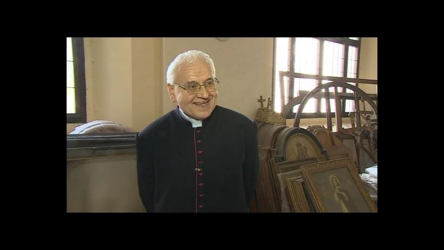 Video O krádeži obrazu hovoří farář kostela ve Křtinách Jan Peňáz