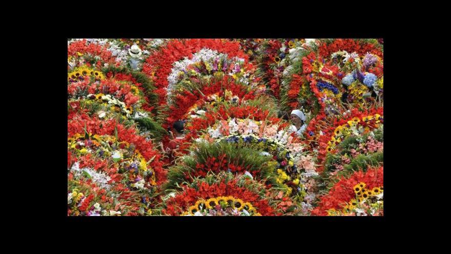 Video Medellín a jeho květinový pochod