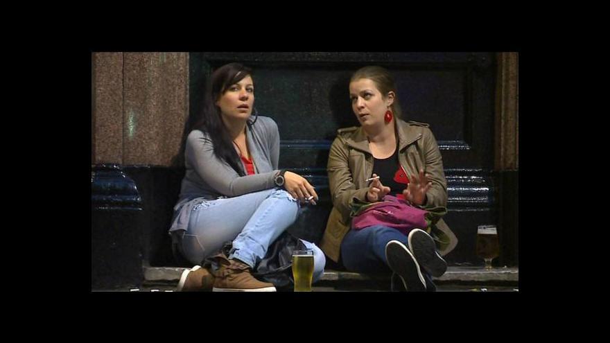 Video Ženy v Británii příliš pijí alkohol