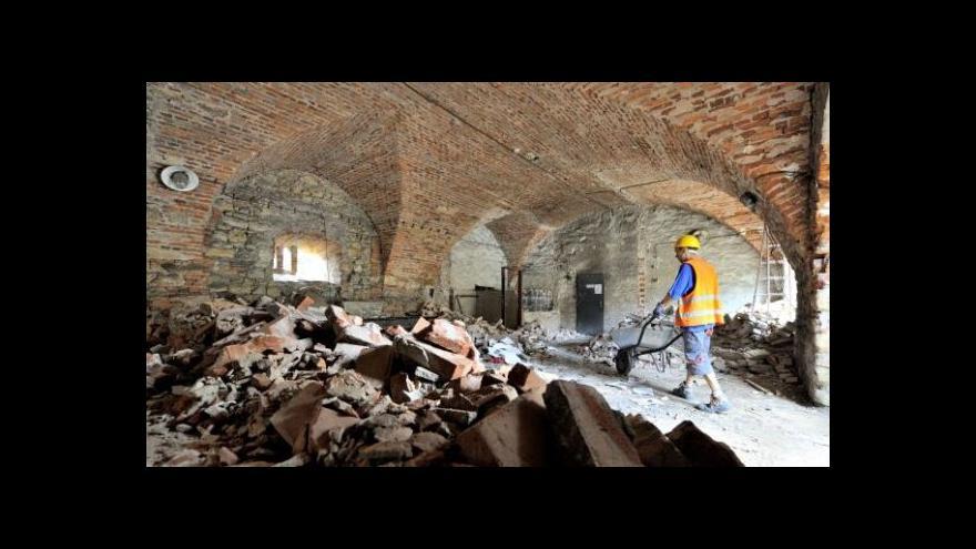 Video Rekonstrukce Kuksu začala