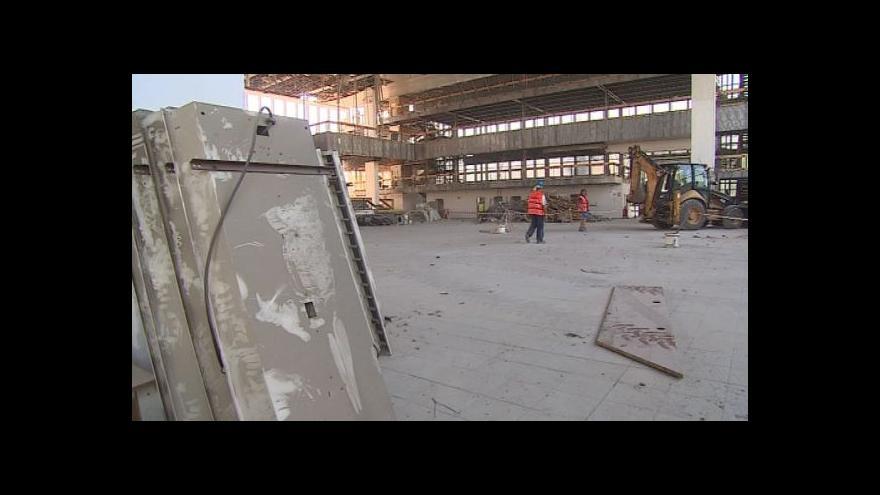 Video Bourání v pavilonu D, který se promění ve science centrum