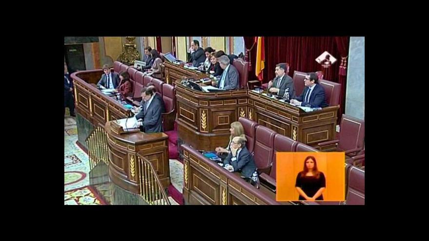 Video Rajoy odmítá nařčení z korupce