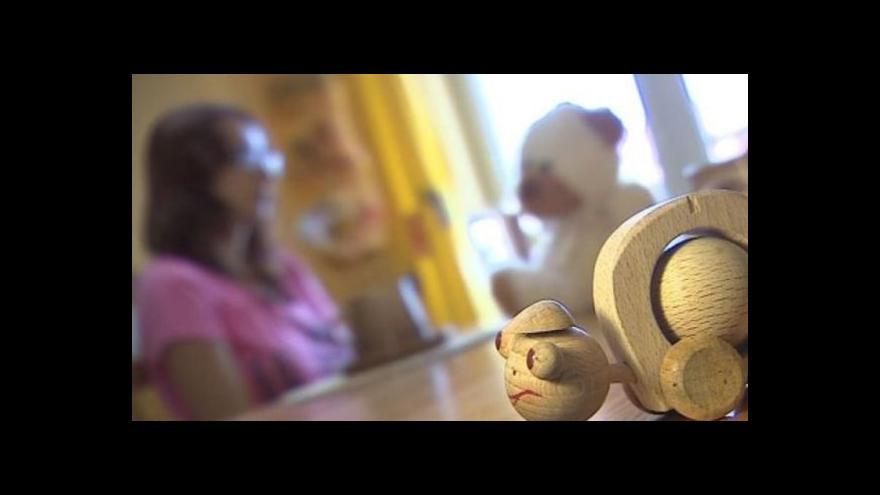 Video Matka v tísni hovoří o svých zkušenostech