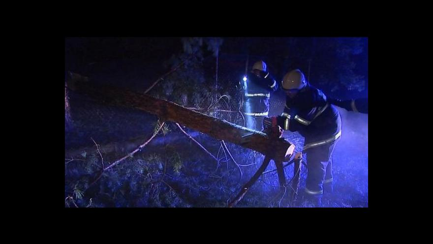 Video Česko zasáhly silné bouřky a přívalový déšť