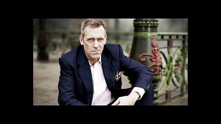 Video Hugh Laurie vystoupil v Praze