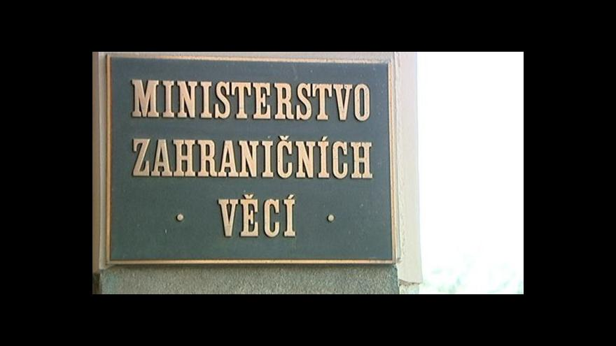 Video Spor o velvyslance skončil, noví diplomaté vyrážejí