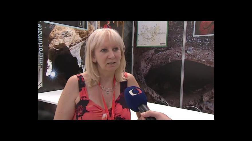 Video O mikroorganismech v jeskyních hovoří mykoložka Alena Nováková