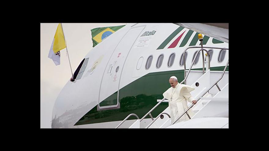 Video Návštěvu papeže Františka v Brazílii provázejí protesty
