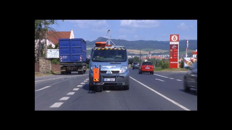Video Silnice zničené po povodních zkoumá georadar
