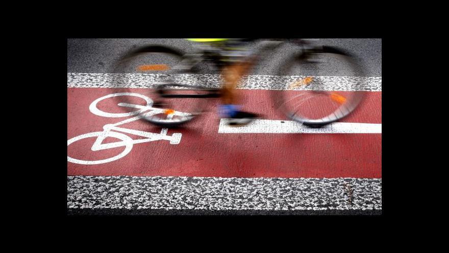 Video Klecany a Prahu spojuje nová cyklostezka