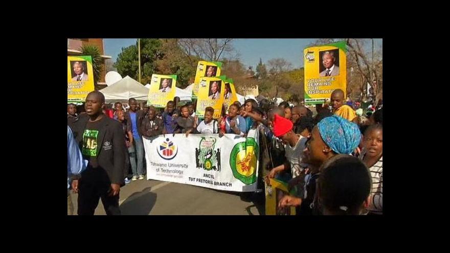 Video Mandela slaví narozeniny
