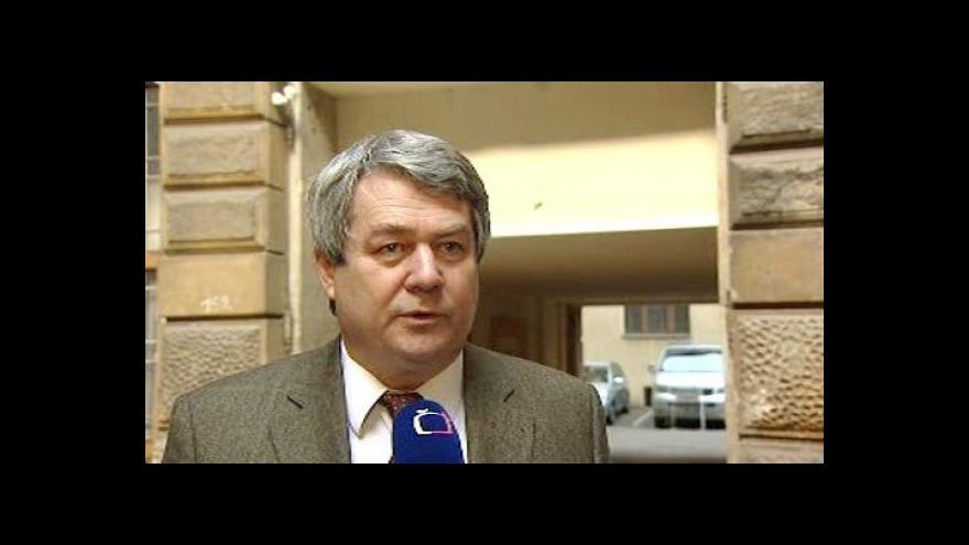Video Předseda KSČM Vojtěch Filip ke sněmovně