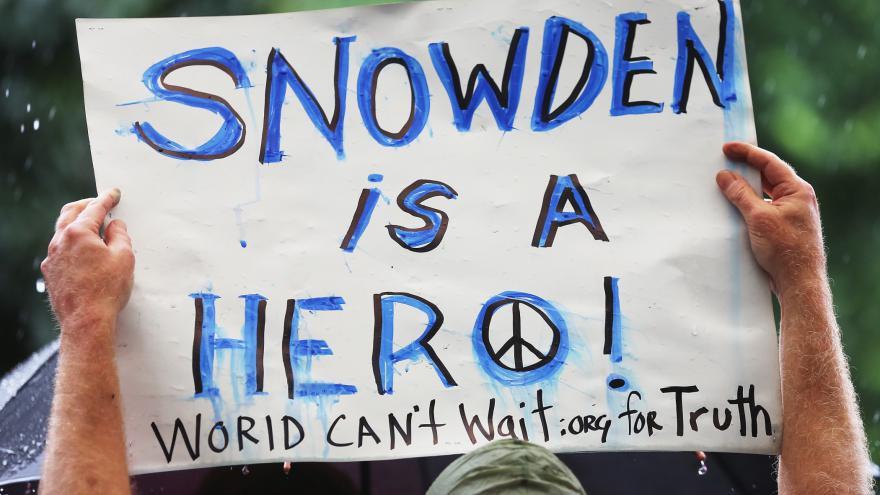 Video Igor Lukeš: USA nemají žádnou motivaci Snowdenovi situaci ulehčit