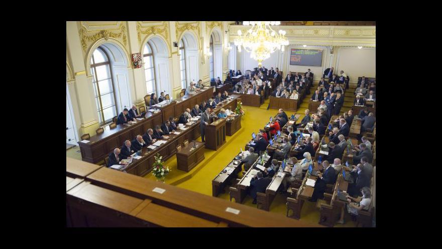Video Poslanci sněmovnu nerozpustili