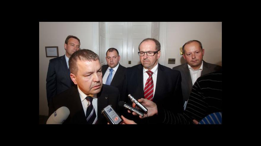 Video Marek Šnajdr, Ivan Fuksa i Petr Tluchoř opustili vazbu