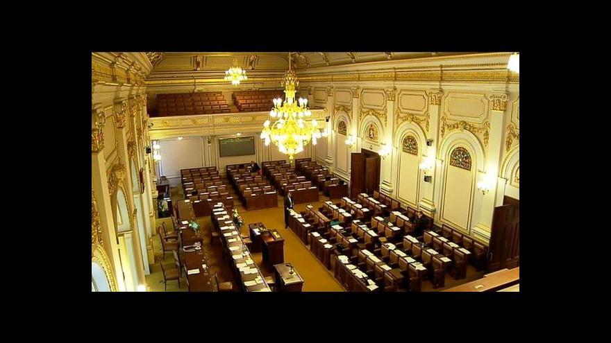 Video Sněmovnu čeká hlasování o rozpuštění