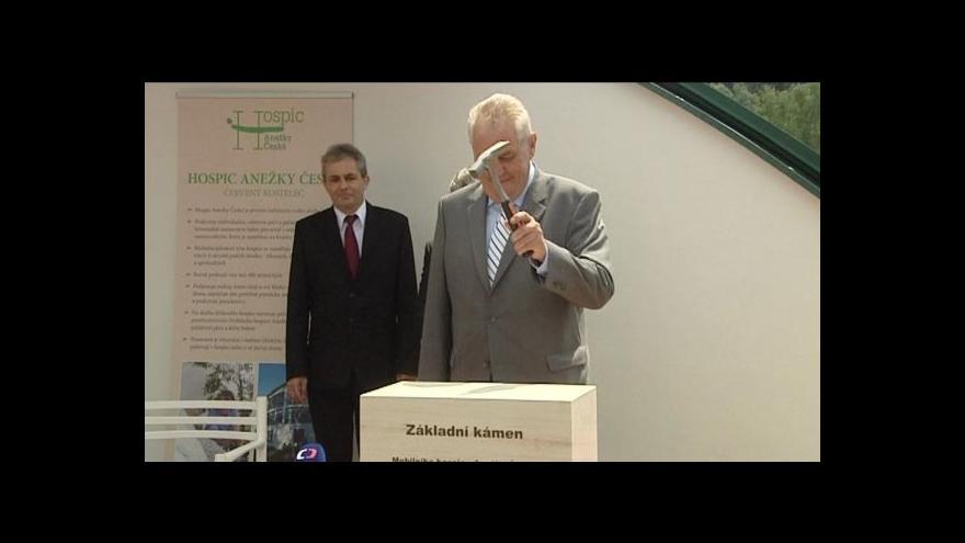 Video Zeman přijel podpořit rozšíření hospicu
