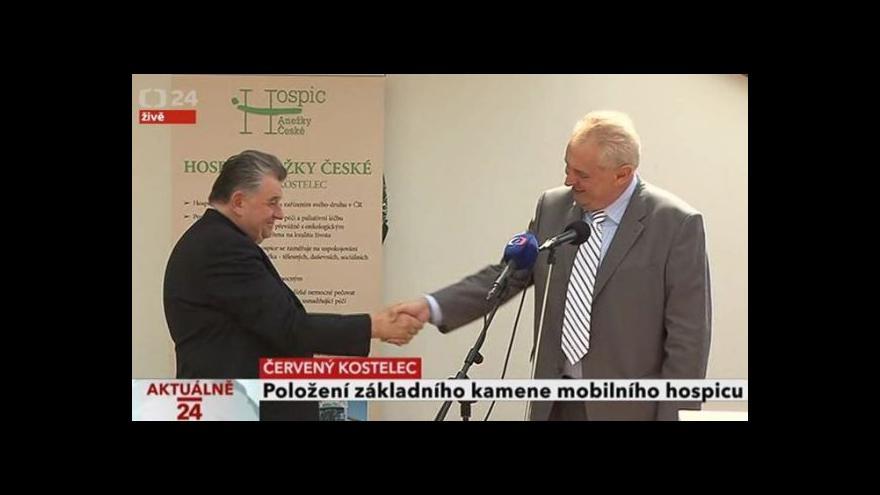 Video Brífink prezidenta Miloše Zemana a kardinála Dominika Duky po návštěvě Hospiscu Anežky České