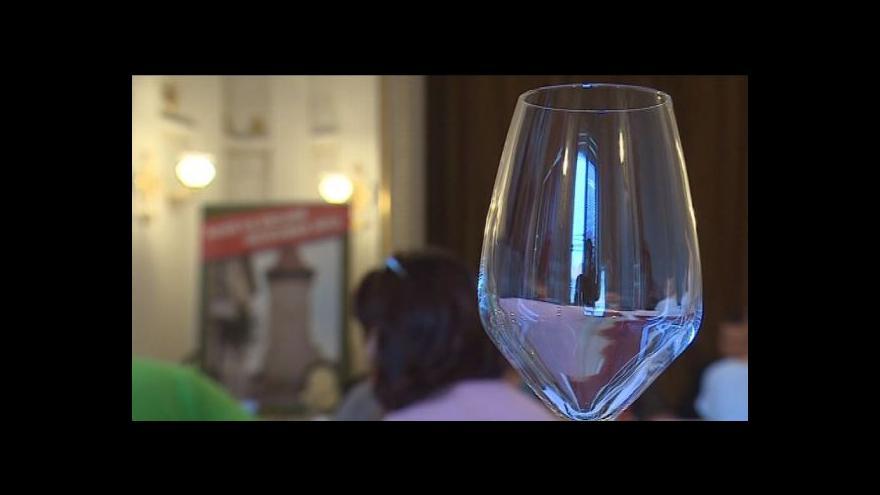 Video Nealko levnější než alko - prosadí sněmovna kontroverzní zákon?