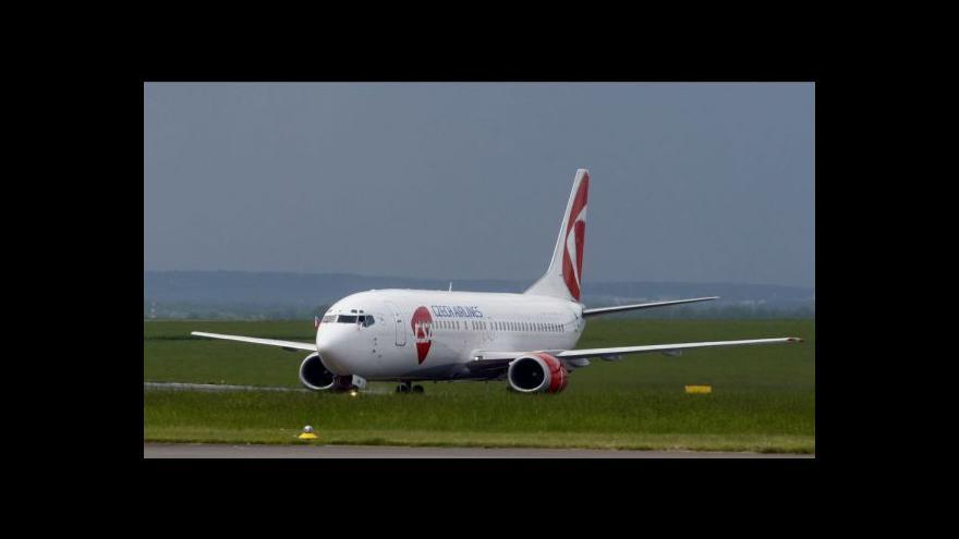 Video ČSA vypověděly kolektivní smlouvu pilotům a letuškám