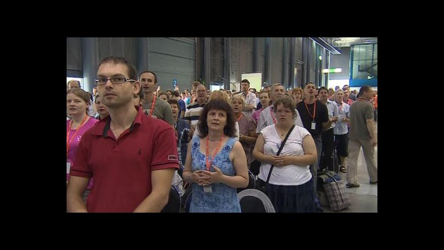 Video NO COMMENT: Závěrečná mše charismatické konference