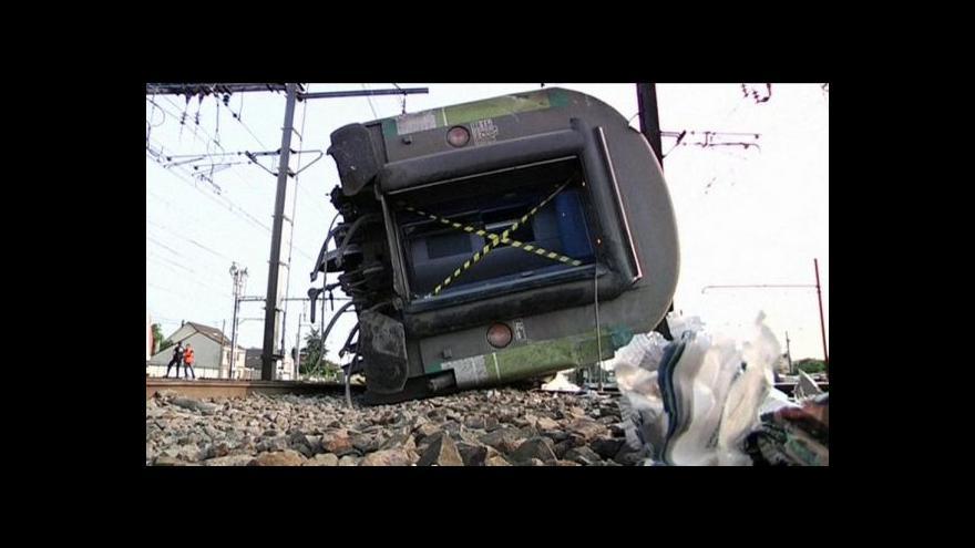 Video Nehodu vlaku ve Francii zavinila špatná výhybka