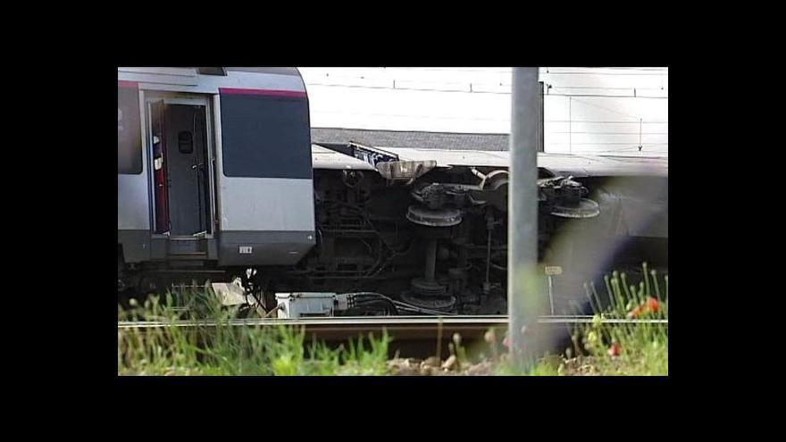 Video U Paříže se vřítil vlak na nástupiště - 6 lidí zemřelo