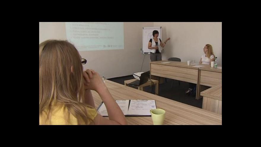 Video Matky o svých zkušenostech s brněnským Coworking centrem