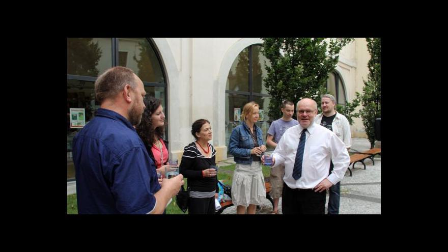 Video Petr Marek na brífinku k řetězové hladovce