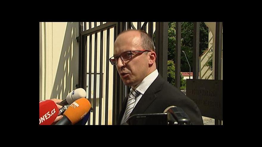 Video Premiér uvádí do úřadu ministra pro místní rozvoj