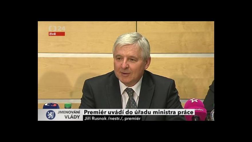 Video Premiér uvádí do úřadu ministra práce