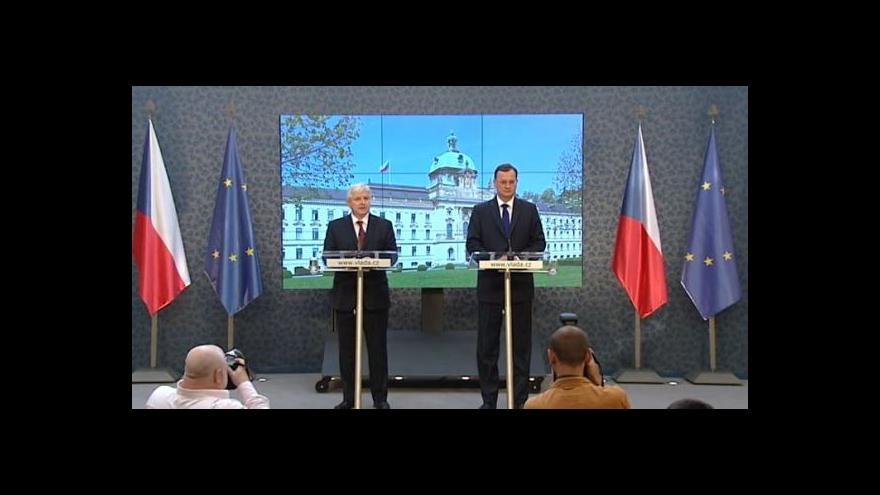 Video Premiér Rusnok přebírá úřad od Petra Nečase