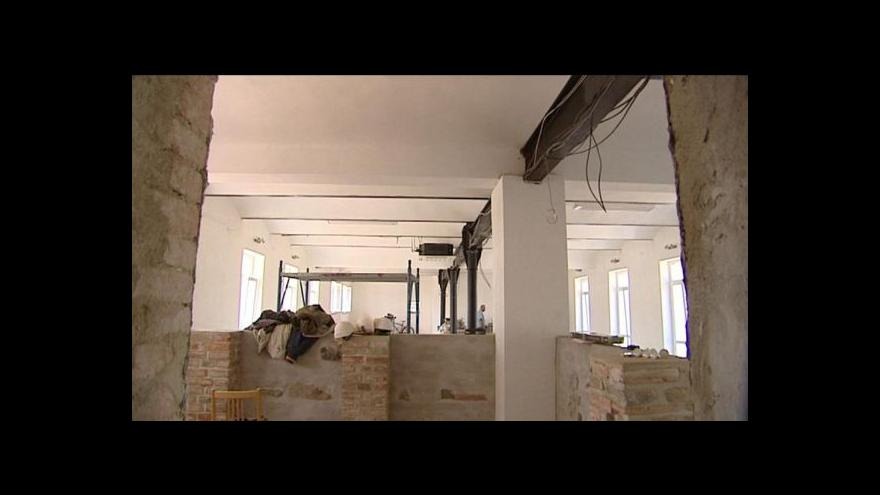 Video Erik Knajfl o vysokomýtské kasárně