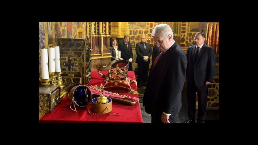 Video Prezident Miloš Zeman při odemykání korunovačních klenotů
