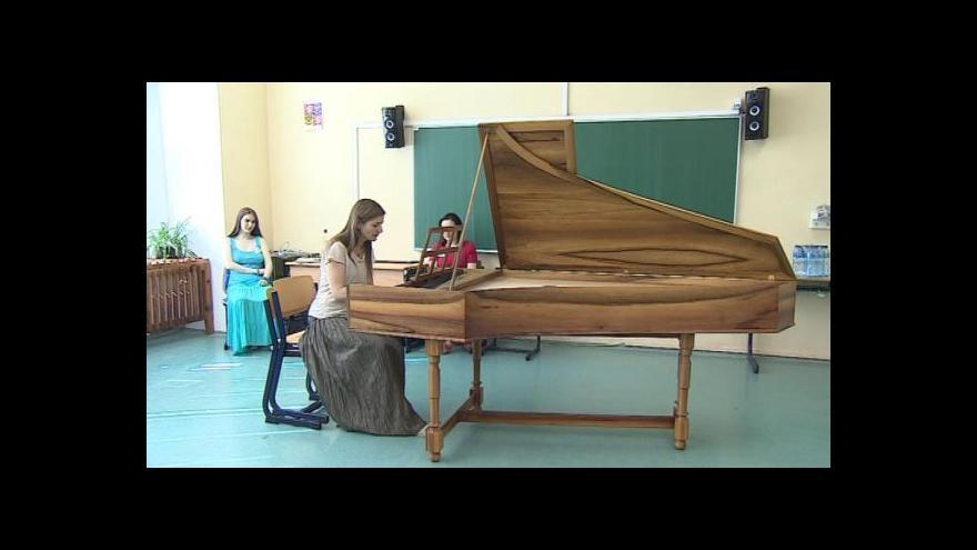 Video NO COMMENT: Letní škola staré hudby