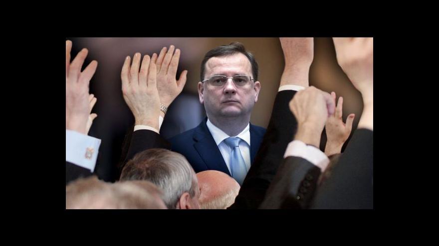 Video Události ČT o situaci kolem vydání Petra Nečase