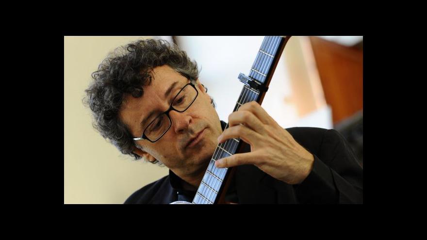Video NO COMMENT: Koncert kytaristy Marca Socíase