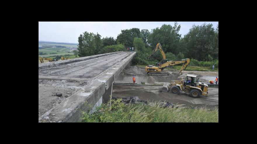 Video Bourání mostů na D1