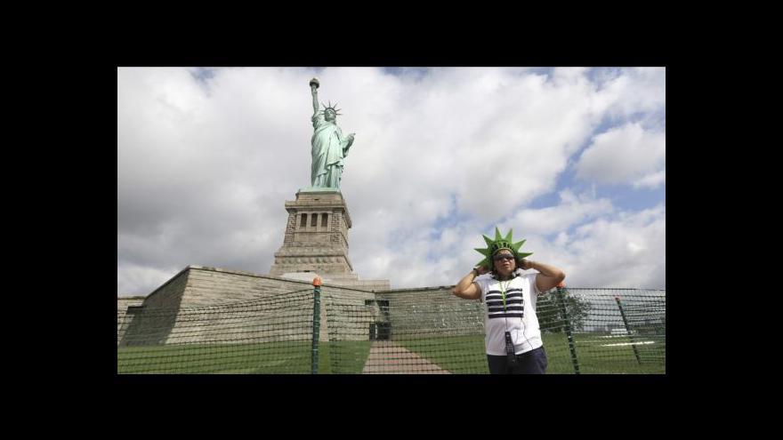 Video New York otevřel Sochu svobody
