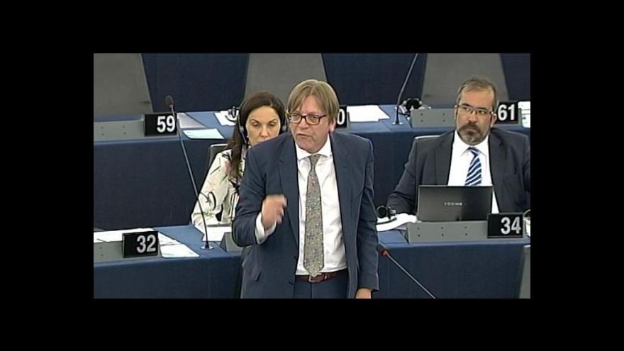 Video Orbán čelil kritice europoslanců